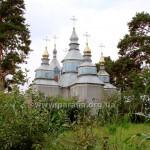 Церква крізь сусідський город