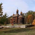 І все ж найфотогенічніша Михайлівська церква восени. Мабуть, тому, що обидва храмові свята припадають на осінь (19 вересня і 21 листопада)