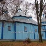 Церква з північного боку. Дзвіницю добудовано у 1851 році