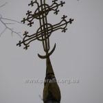 Хрест над дзвіницею - теж чудовий і традиційний