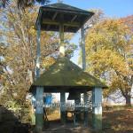 Каркасна дзвіниця - дуже оригінальна споруда