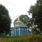 Варвари сплюндрували не тільки церкву, а й знищили навколо неї всі дерева