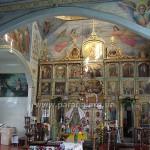 У храмі. Іконостас - теж класицизм, але з багатьма новішими іконами