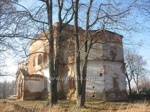 Церкви оборонного типу. Михайлівська церква, с. Великий Листвен (Чернігівщина)