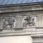 Декор фризу на військову тематику