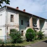 Колишня резиденція єпископа, нині Братський корпус