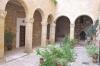 подвір'я церкви, img_2886fc
