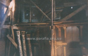 Роботи по відновленню іконостаса у церкві Параскеви П'ятниці.