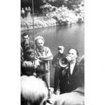 О.П. Діденко проводить екскурсію у парку